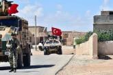 Türk Silahlı Kuvvetleri, Fırat Kalkanı Harekat alanı ile Münbiç arasındaki hatta devriye faaliyetlerini sürdürüyor.