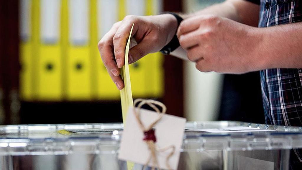 Oy kullanan seçmen
