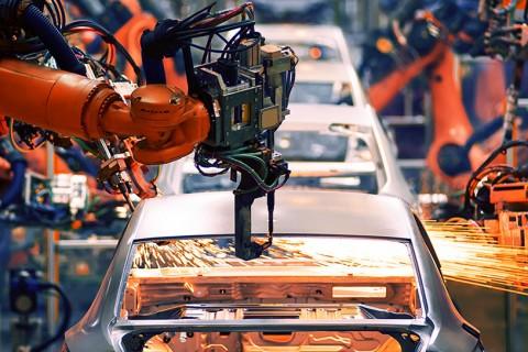 Rapor: Küresel Otomotiv Sektörünün Değişimi ve Yerli Otomobil Projesinin Geleceği