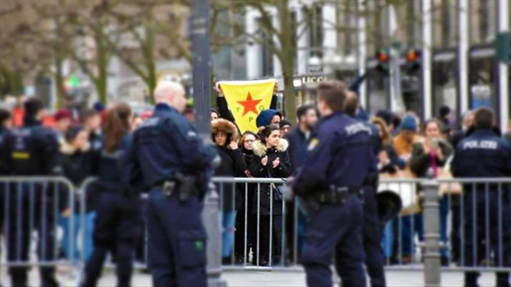 Almanya'da YPG / PKK