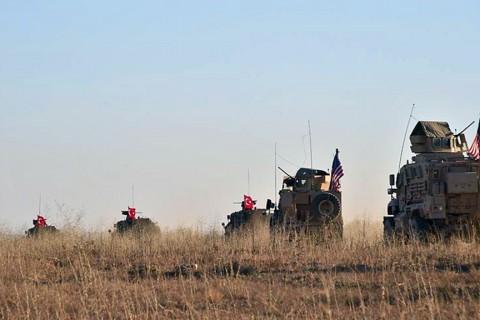 Türk ve Amerikan Askeri Devriyesi