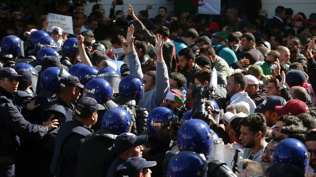 Perspektif: Statüko ve Değişim Talepleri Arasında Cezayir | Protestolar ve Abdülaziz Buteflika