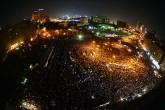 5 Haziran 2012 | Mısır'da mahkemenin Hüsnü Mübarek hakkında müebbet hapis cezası vermesinin üzerinden 4 gün geçmesine rağmen Tahrir Meydanı durulmuyor. Muhalifler meydanda milyonluk gösteri için toplandı. (AA | Mohammed Elshamy Ali)