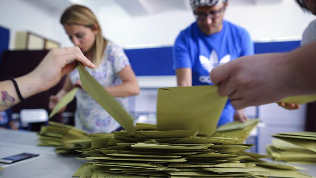 Siyasi Partiler ve Seçim Kanunlarında Değişiklik Tartışması