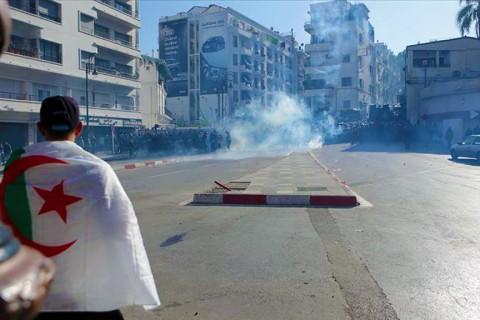 Cezayir'de sokak eylemleri