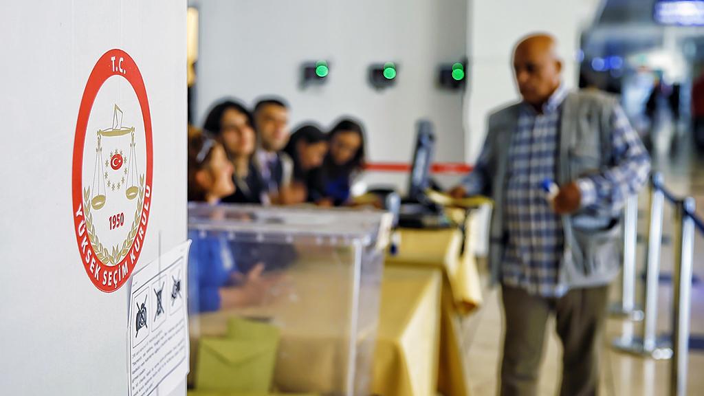 Demokratik Siyasal Sistem ve Seçim Hukuku