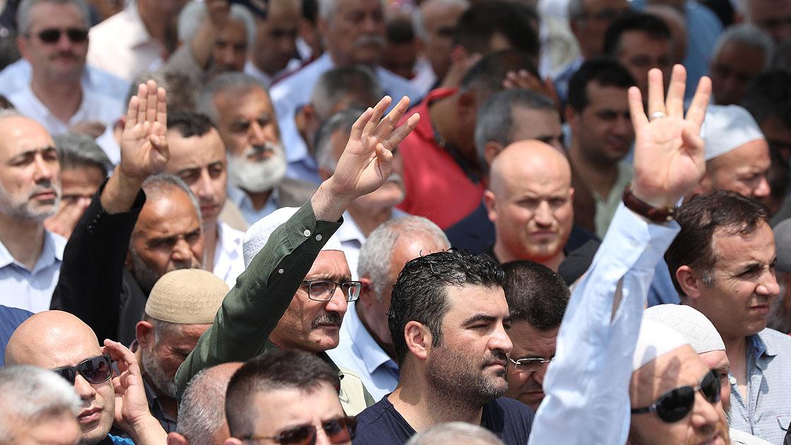 Türkiye Mursi'nin Başlattığı Demokrasi Mücadelesini Desteklemeye Devam Edecek