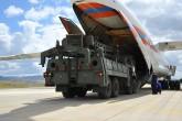 """Milli Savunma Bakanlığı, S-400 Uzun Menzilli Bölge Hava ve Füze Savunma Sistemi'nin birinci grup malzemelerinin Mürted Hava Meydanı'na intikalinin bugünden itibaren başladığını açıkladı. Açıklamada, """"Sözleşme kapsamında S-400 Uzun Menzilli Bölge Hava ve Füze Savunma Sistemi'nin birinci grup malzemelerinin Mürted Hava Meydanı / Ankara'ya intikali 12 Temmuz 2019 tarihinden itibaren başlamıştır"""" ifadesine yer verildi. Milli Savunma Bakanlığı, internet sitesinde nakliyeye ilişkin fotoğraflar paylaşıldı. ( Milli Savunma Bakanlığı - Anadolu Ajansı )"""