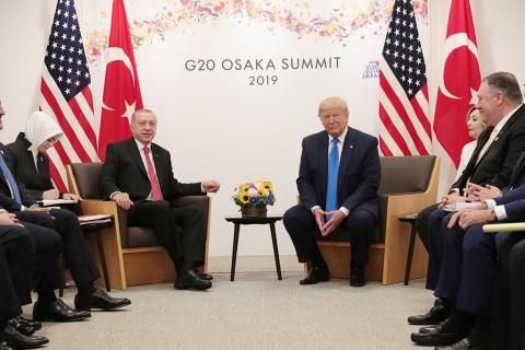 29 Haziran 2019 | Türkiye Cumhurbaşkanı Recep Tayyip Erdoğan (sol 2), G20 Liderler Zirvesi kapsamında INTEX Osaka Fuar Merkezi'nde ABD Başkanı Donald Trump (sağ 3) ile görüştü.