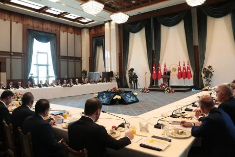 11 Eylül 2019 | Türkiye Cumhurbaşkanı Recep Tayyip Erdoğan, Büyükşehir Belediye Başkanları Toplantısı'na katılarak konuşma yaptı.