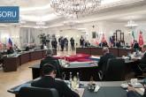 16 Eylül 2019 | Türkiye Cumhurbaşkanı Recep Tayyip Erdoğan, Rusya Devlet Başkanı Vladimir Putin ve İran Cumhurbaşkanı Hasan Ruhani'nin katılımıyla gerçekleştirilen Türkiye-Rusya-İran Üçlü Zirvesi Çankaya Köşkü'nde gerçekleşti. Erdoğan, Putin ve Ruhani, zirvenin basına açık bölümünde açıklamalarda bulundu.