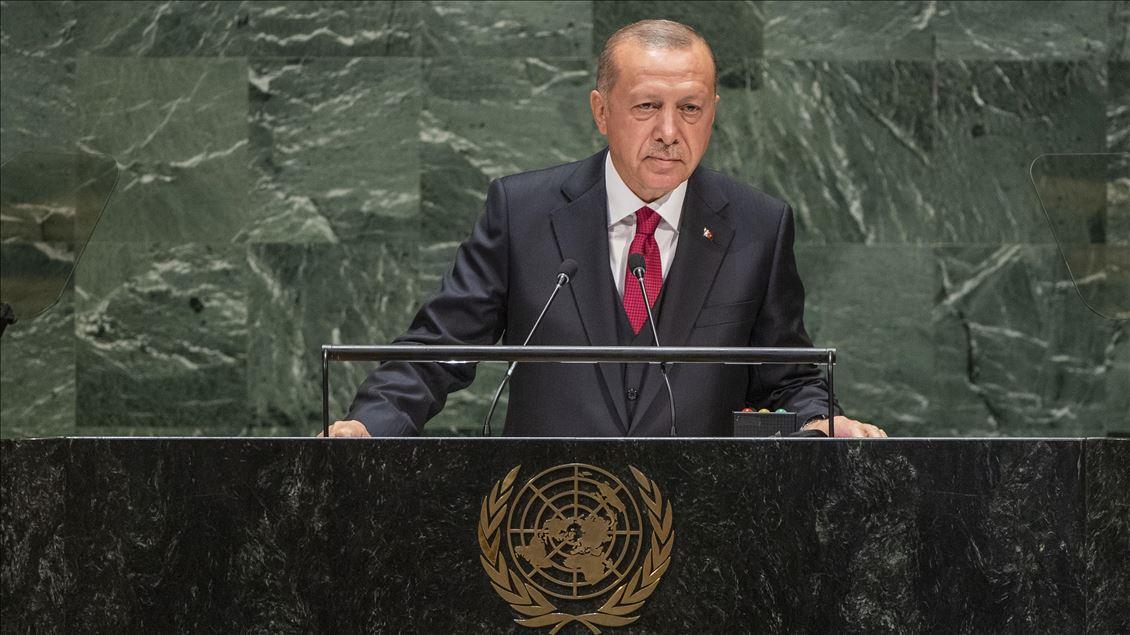 24 Eylül 2019 | Türkiye Cumhurbaşkanı Recep Tayyip Erdoğan, Birleşmiş Milletler (BM) Genel Kurul Salonu'nda, BM 74'üncü Genel Kurulu Genel Görüşmeleri Açılışı'nda yer aldı ve Genel Kurul'a hitap etti.