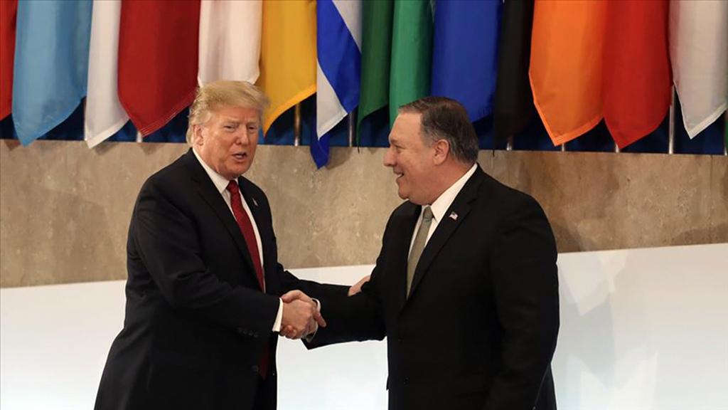 ABD Başkanı Donald Trump (solda) ve ABD Dışişleri Bakanı Mike Pompeo (sağda)