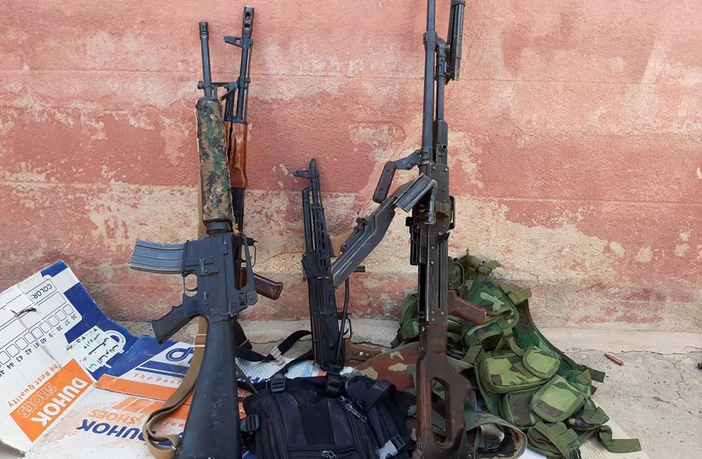 10 Ekim 2019 | Tel Abyad'da YPG/PKK'lılar silahlarını bırakarak kaçt. ıTürk Silahlı Kuvvetlerinin (TSK) başlattığı Barış Pınarı Harekatı kapsamında, Tel Abyad'ın batısında terörden arındırılan köylerden kaçan teröristlerin bıraktığı silah ve çok sayıda mühimmat ele geçirildi.