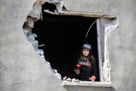 12 ekim 2019   Terör örgütü YPG/PKK'nın, Suriye'de işgali altındaki bölgelerden, Şanlıurfa'nın Akçakale ilçesine havan saldırısı düzenlendi. Türkiye'nin güney sınırında oluşturulmaya çalışılan terör koridorunu yok etmek, bölgeye barış ve huzur getirmek amacıyla Türk Silahlı Kuvvetlerince (TSK) başlatılan Barış Pınarı Harekatı devam ediyor. Suriye'de terör örgütü YPG/PKK işgali altındaki bir bölgeden, Akçakale ilçe merkezine havan saldırısı düzenlendi.