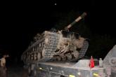 8 Ekim 2019 | Türk Silahlı Kuvvetleri (TSK) tarafından Suriye sınırındaki askeri birliklere tank, zırhlı araç ve personel takviyesi sürüyor. Suriye sınırındaki birliklere takviye amacıyla bir süre önce Yayladağı ilçesine getirilen tankları taşıyan askeri araçlar, güvenlik önlemleri altında yola çıktı.