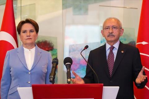 10 Nisan 2019 | CHP Genel Başkanı Kemal Kılıçdaroğlu, partisinin genel merkezinde İYİ Parti Genel Başkanı Meral Akşener ile bir araya geldi.