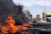 3 Ekim 2019 | Irak'ın güneyindeki Zikar vilayetinde hükümet karşıtı gösteri düzenleyenler, vilayete bağlı ilçelerde bazı hükümet binalarını ateşe verdi.  Er-Rafideyn Operasyonlar Komutanlığı'nda görevli subaylardan Hakim el-Esedi, AA muhabirine yaptığı açıklamada, göstericilerin Zikar vilayetine bağlı Suk eş-Şuyuh ve Ed-Devaye ilçelerindeki kaymakamlık binaları, Suk eş-Şuyuh belediye binası ve En-Nasıriyye kentindeki mühendisler sendikası binasını ateşe verdiğini belirtti.