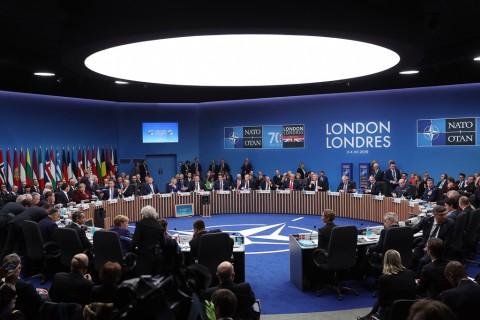 4 Aralık 2019 | NATO'nun 70. Yıldönümü Devlet ve Hükümet Başkanları Zirvesi, İngiltere'nin başkenti Londra'daki The Grove Otel'de gerçekleştirildi. Zirveye Türkiye Cumhurbaşkanı Recep Tayyip Erdoğan da katıldı.