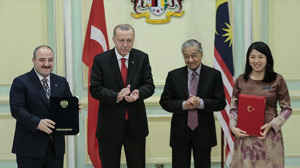 20 Aralık 2019 | Türkiye Cumhurbaşkanı Recep Tayyip Erdoğan'ın Malezya'ya gerçekleştirdiği resmi ziyaret kapsamında iki ülke arasında farklı alanlarda 17 anlaşma imzalandı.
