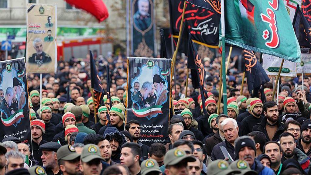 5 Ocak 2020 | İran Devrim Muhafızları Ordusu'na bağlı Kudüs Gücü Komutanı Kasım Süleymani'nin cenazesi İran'ın Ahvaz kentine ulaştı. Süleymani için cenaze töreni düzenlendi.