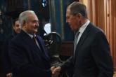 13 Ocak 2020 | Rusya Dışişleri Bakanı Sergey Lavrov (sağda) ve Rusya Savunma Bakanı Sergey Şoygu, Libya'nın doğusundaki gayrı meşru silahlı güçlerin başındaki Halife Hafter'le (solda) Rusya'nın başkenti Moskova'da bir araya gelmişti. Hafter'in, Moskova'dan ateşkes anlaşmasını imzalamadan ayrılması, farklı şekillerde yorumlandı.