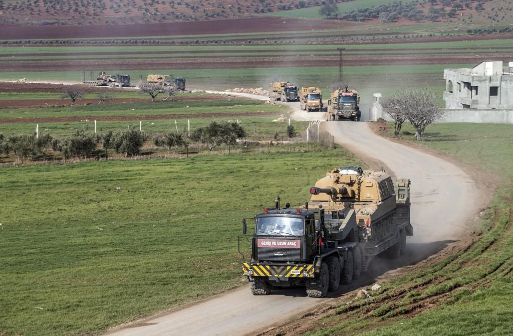 17 Şubat 2020   İdlib'deki gözlem noktalarına 150 araçlık sevkiyat: Türk Silahlı Kuvvetleri (TSK), İdlib'deki gözlem noktalarına obüs, tank, mühimmat ve zırhlı personel taşıyıcı (ZPT) sevk etti. Konvoy güvenlik önlemleri altında İdlib'deki gözlem noktalarına gönderilmek üzere sınır birliklerine yönlendirildi.