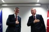 10 Mart 2020 | Cumhurbaşkanı Erdoğan, Brüksel ziyaretinde kendisini karşılayanlarla tokalaşmadan elini göğsüne götürerek selamlaması dikkati çekti.