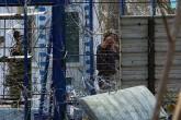 11 Mart 2020   Yunan askerleri, Pazarkule-Kastanies sınır kapıları arasındaki tampon bölgedeki sığınmacılara sapanla taş atarak müdahale etti. Sınır güçlerinin hedef gözeterek attığı plastik mermi ise bir sığınmacının gözünü kaybetmesine neden oldu. (AA)