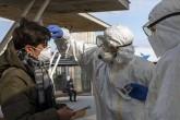İtlya'da tren istasyonunda Koronavirüs taraması