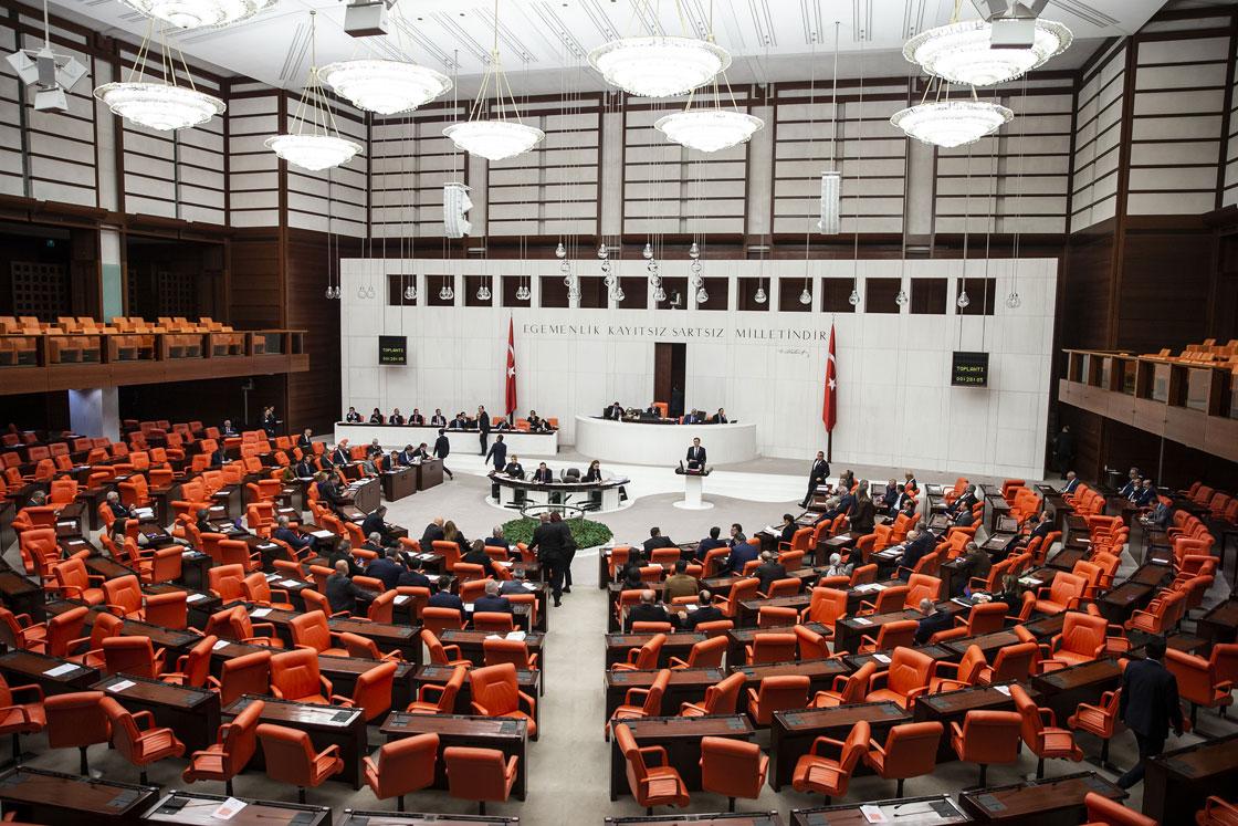 Anayasa ve Milletvekilliklerinin Düşmesi