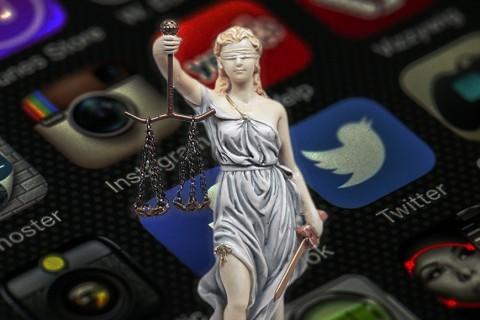 Odak: Fransa'nın Sosyal Medya ve İnternet Suçlarını Düzenleyen Avia Yasası