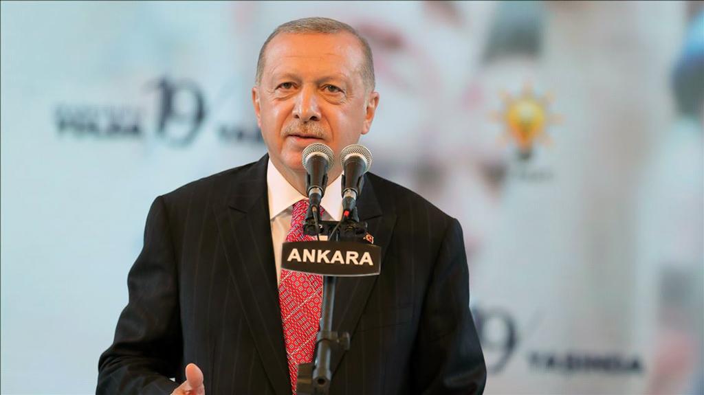 13 Ağustos 2020   Türkiye Cumhurbaşkanı ve AK Parti Genel Başkanı Recep Tayyip Erdoğan, 75. Yıl Cumhuriyet Anfi Tiyatro ve Kültür Merkezi'nde düzenlenen AK Parti 19. Kuruluş Yıl Dönümü programına katılarak konuşma yaptı. ( Mustafa Kamacı - Anadolu Ajansı )