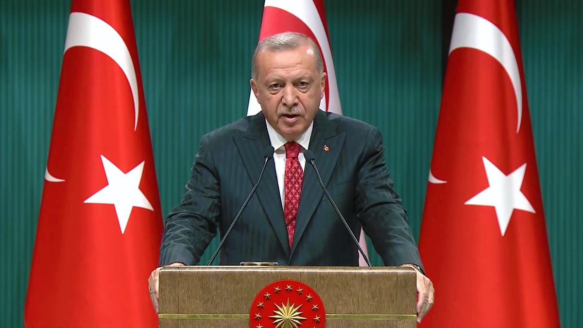 """Cumhurbaşkanı Recep Tayyip Erdoğan, Doğu Akdeniz'deki hidrokarbon arama faaliyetlerine ilişkin, """"Arama çalışmalarına bizler aynı kararlılıkla devam ediyoruz, edeceğiz."""" dedi."""