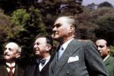 Türk Kurtuluş Savaşı'nın önderi, Türkiye Cumhuriyeti'nin kurucusu ve ilk cumhurbaşkanı Mustafa Kemal Atatürk