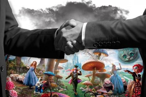 Alis Harikalar Diyarında (2010) sinema afişinden alıntı yapılmıştır.