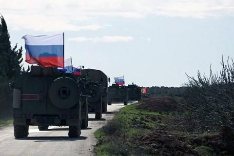 Suriye'de Rus askeri konvoyu