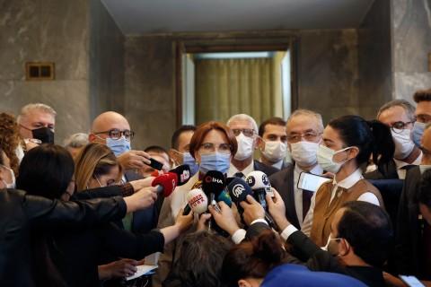 20 Ekim 2020   İYİ Parti Genel Başkanı Meral Akşener, partisinin TBMM Grup Toplantısına katılarak konuşma yaptı. Akşener, grup toplantısının ardından gazetecilerin sorularını yanıtladı. (Foto: AA)