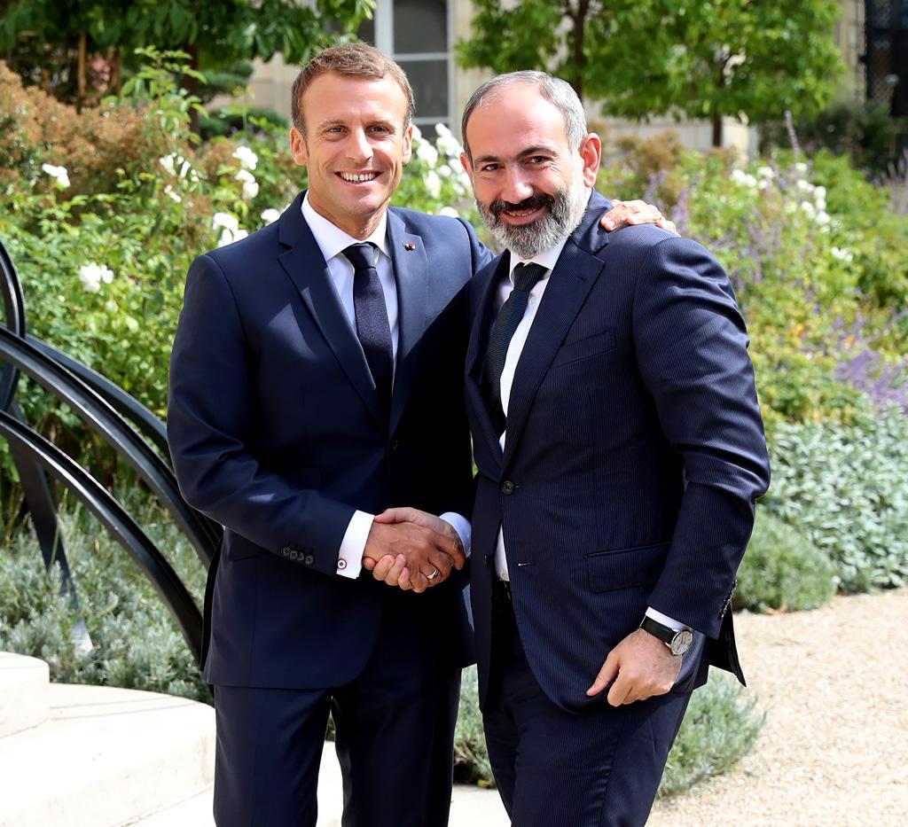 14 Eylül 2019 | Ermenistan Başbakanı Nikol Paşinyan (sağda) Fransa'nın başkenti Paris'teki Elysee Sarayı'nda Fransa Cumhurbaşkanı Emmanuel Macron (solda) ile görüştü. (Foto: Mustafa Yalçın / AA)