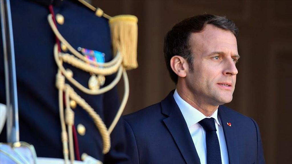 Fransa'nın başkenti Paris'teki Elysee Sarayı kapısında Fransa Cumhurbaşkanı Emmanuel Macron