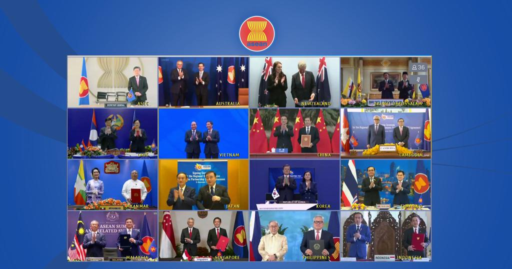 15 Kasım 2020 | Asya-Pasifik bölgesindeki 15 ülke, dünyanın en büyük serbest ticaret anlaşması olarak bilinen Bölgesel Kapsamlı Ekonomik Ortaklık anlaşmasını imzaladı.