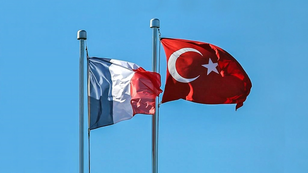 Ankara-Paris İlişkilerinin Gelişmesi Fransa'nın 'Normalleşmesine' Bağlı