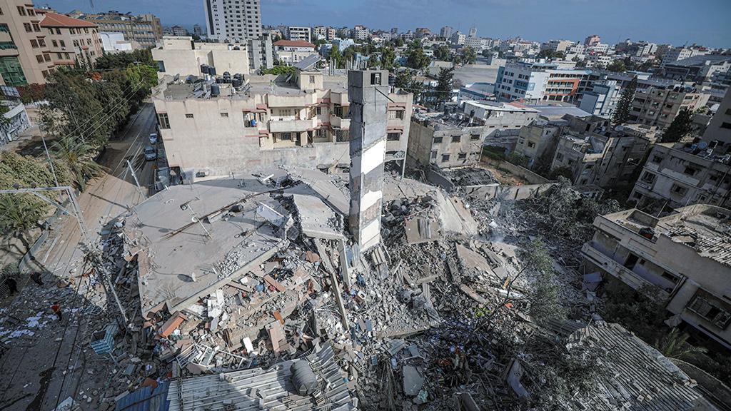 İsrail Dünyanın Gözü Önünde Savaş Suçu İşliyor