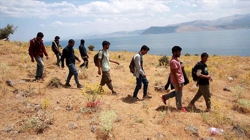 Suriyeli ve Afgan Sığınmacıları Nasıl Tartışmalıyız?