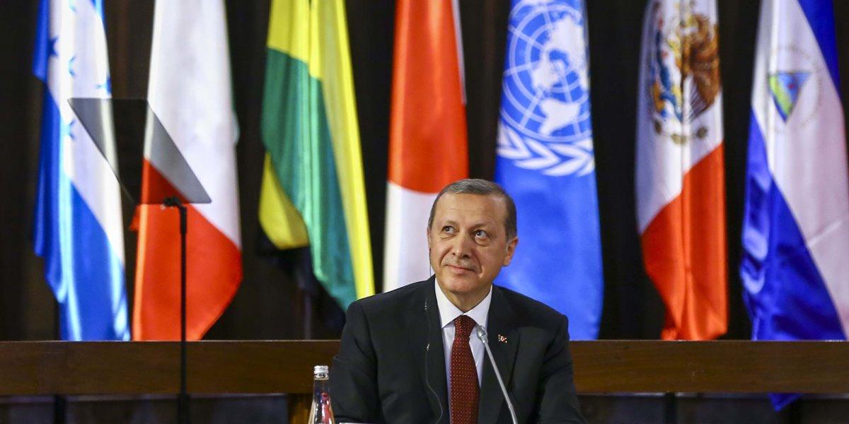 Cumhurbaşkanı Recep Tayyip Erdoğan, resmi ziyaret için bulunduğu Şili'de, BM Latin Amerika ve Karayipler Ekonomik Komisyonu'nda (ECLAC) düzenlenen konferansa katıldı. ( Ahmet İzgi - Anadolu Ajansı )
