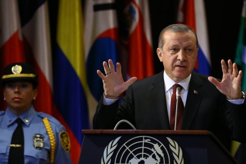 SANTIAGO, CHILE - FEBRUARY 01: President of Turkey, Recep Tayyip Erdogan makes a speech during a conference at the headquarter of the Economic Commission for Latin America and the Caribbean (CELAC) in Santiago, Chile on February 01, 2016. ( Kayhan Özer - Anadolu Ajansı )