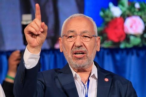 Tunus'ta Nahda Hareketi Partisi, başkent Tunus'taki Radis Kapalı Spor Salonu'nda gerçekleşen kongrede hareketin lideri Raşid el-Gannuşi'yi 800 delegenin oyuyla yeniden genel başkan olarak seçti. Gannuşi, oylama sonucunun açıklamasının ardından konuşma yaptı.  ( Yassine Gaidi - Anadolu Ajansı )