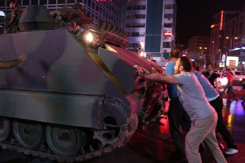 """The July 15 Resistance by the Turkish People: Googling """"How to Stop a Tank"""""""