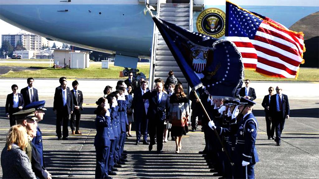 Donald-Melania Air Force One