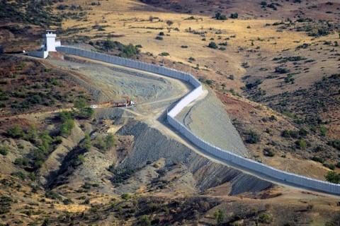 wall on the Turkish-Syrian border